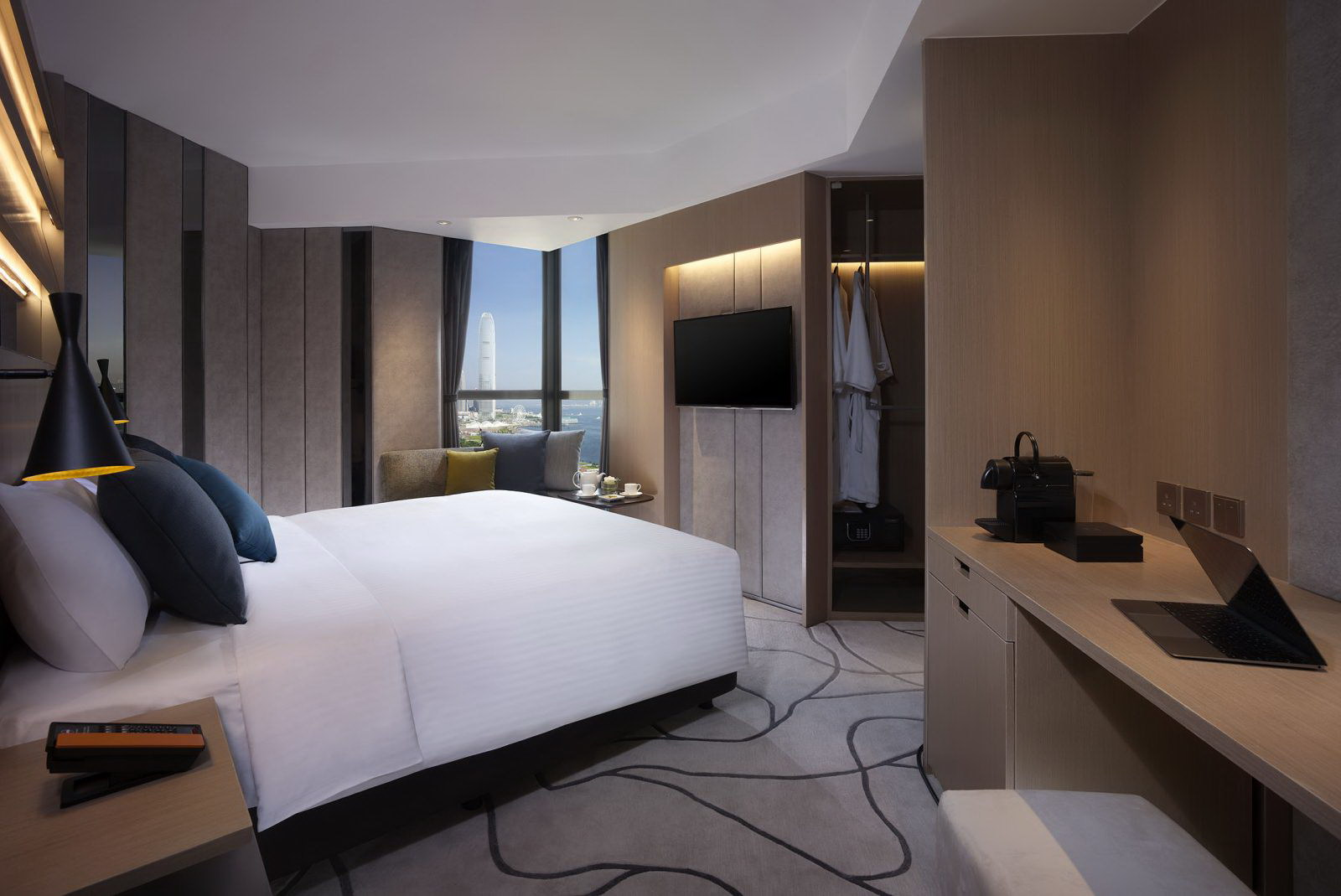 The Optimum Floor Executive Room