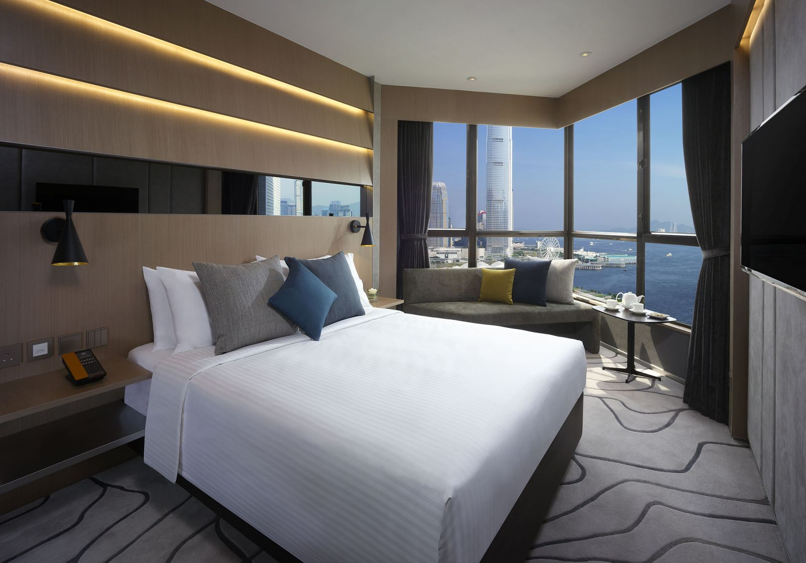 The Optimum Floor Harbour View Room